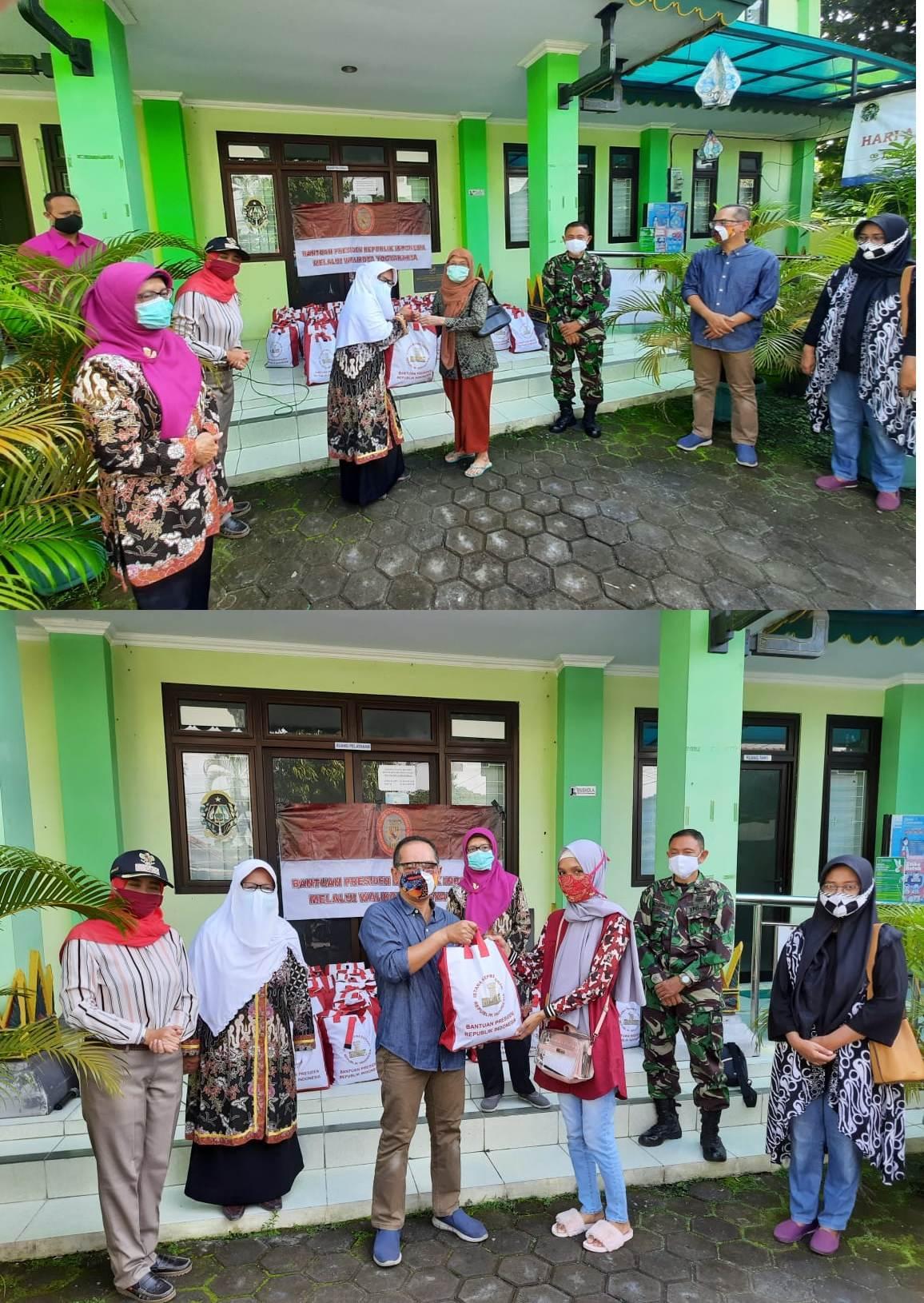 Pemberian Bantuan Sembako Presiden RI dari TP PKK Kota Yogyakarta di Kelurahan Rejowinangun