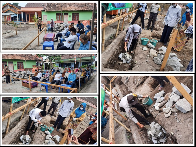 Peletakan batu pertama pembangunan Masjid Baitul Jannah di Rw 10 Kel. Rejowinangun