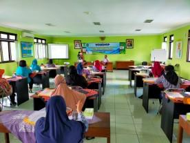 Workshop Peningkatan Ekonomi Manajemen Pemasaran  Pelaku UMKM Gandeng Gendong Kelurahan Rejowinangun