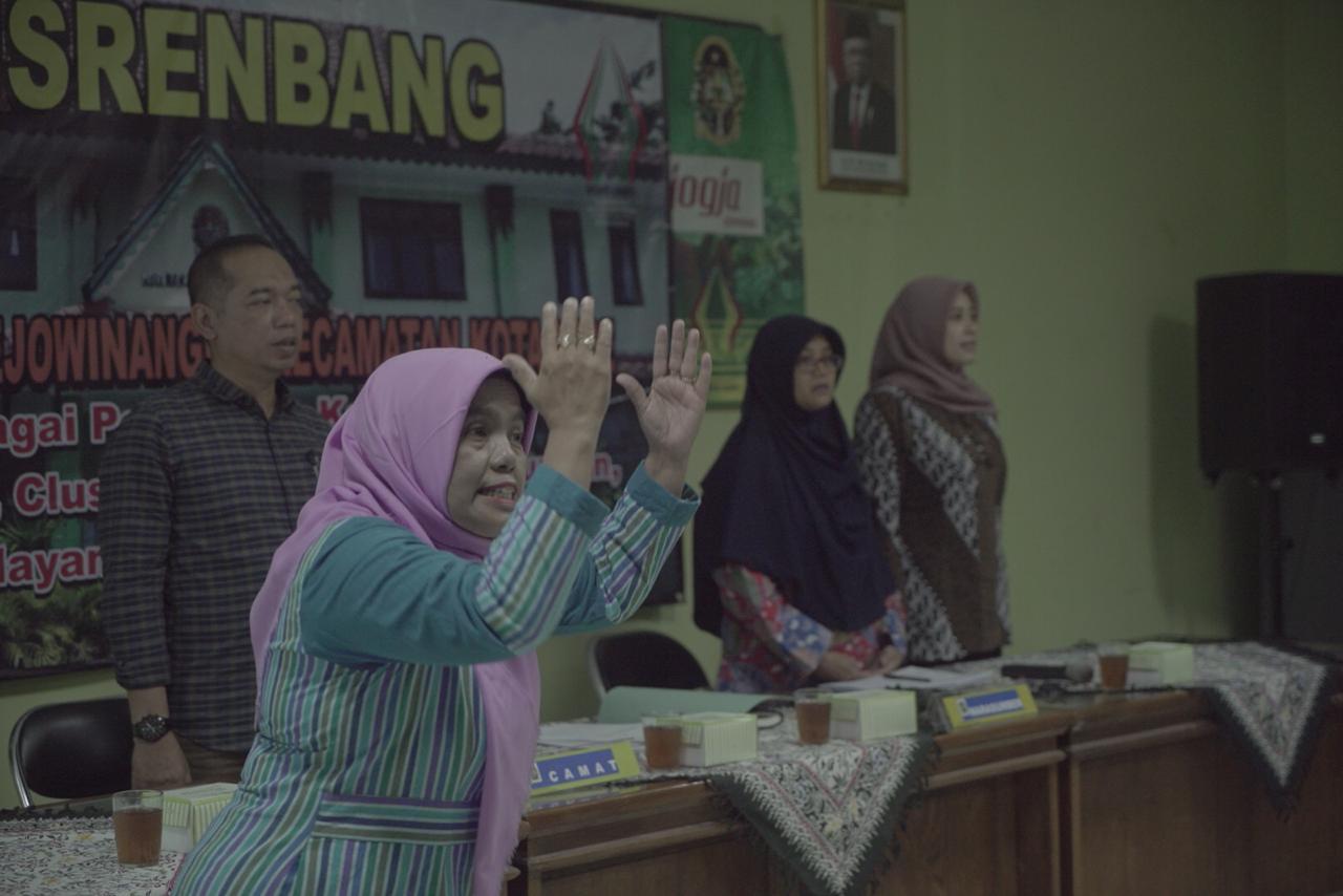 Bernyanyi Lagu Indonesia Raya