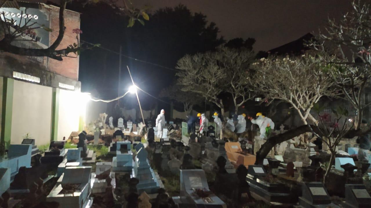 Relawan Pemakaman Rejowinangun1
