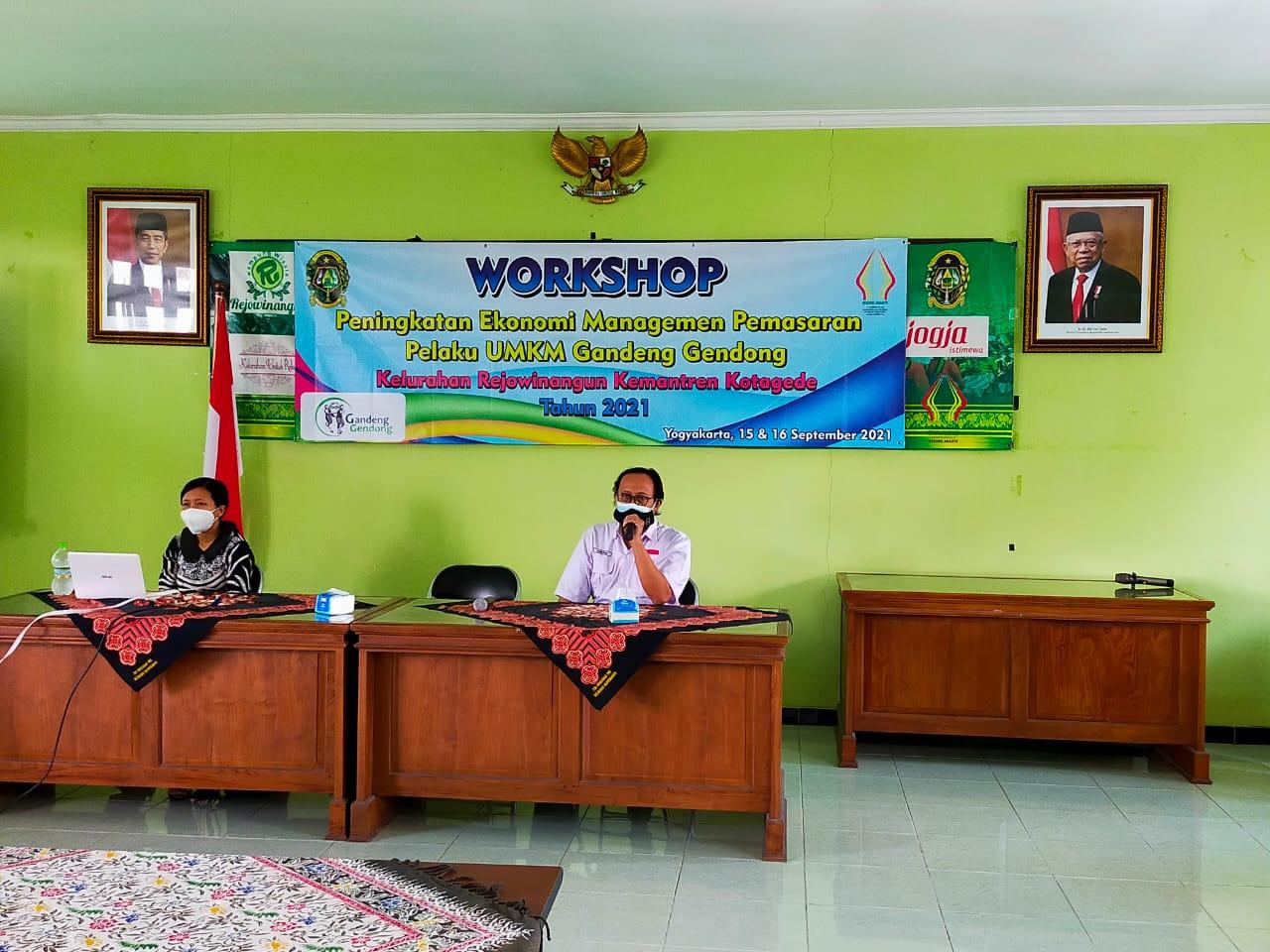 Workshop Peningkatan Ekonomi Manajemen Pemasaran  Pelaku UMKM Gandeng Gendong